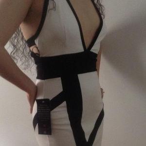 bebe black white deep v plunge dress S